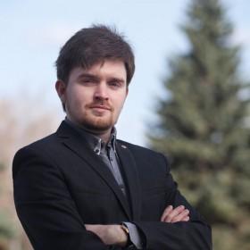 Денис Ефремов